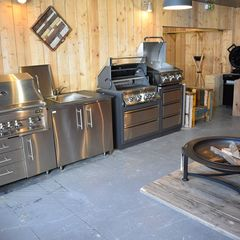 Concept pour la franchise Barbecue & Co - Une partie des barbecues disponibles chez Barbecue & Co.